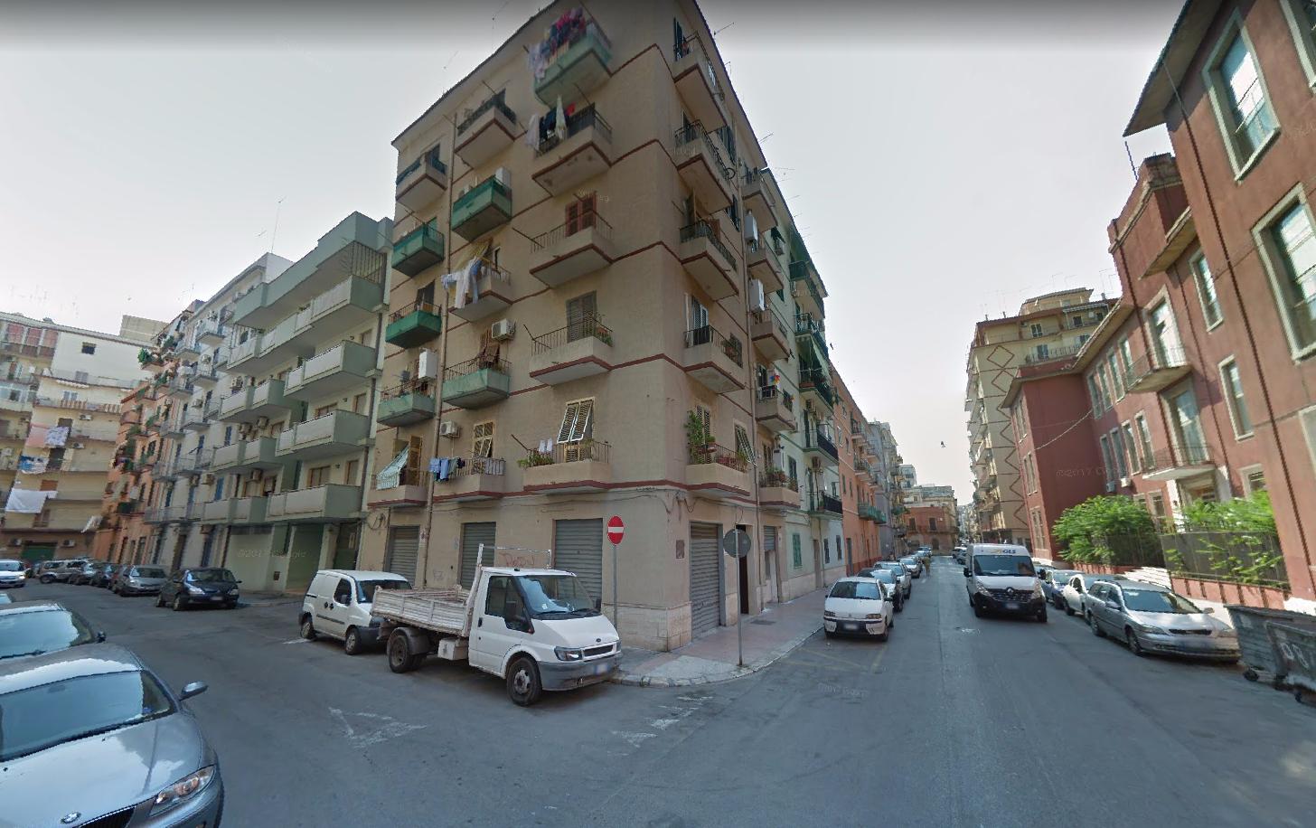 (Italiano) Taranto: Appartamento da ristrutturare