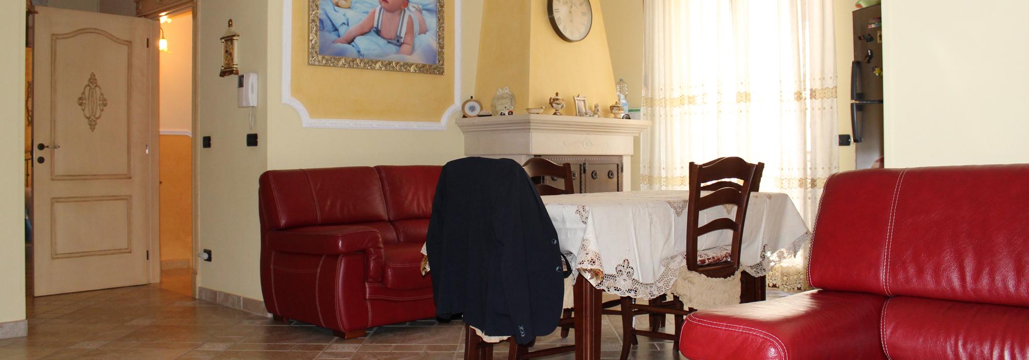 (Italiano) FRANCAVILLA FONTANA: STABILE INDIPENDENTE CON FINITURE DI PREGIO