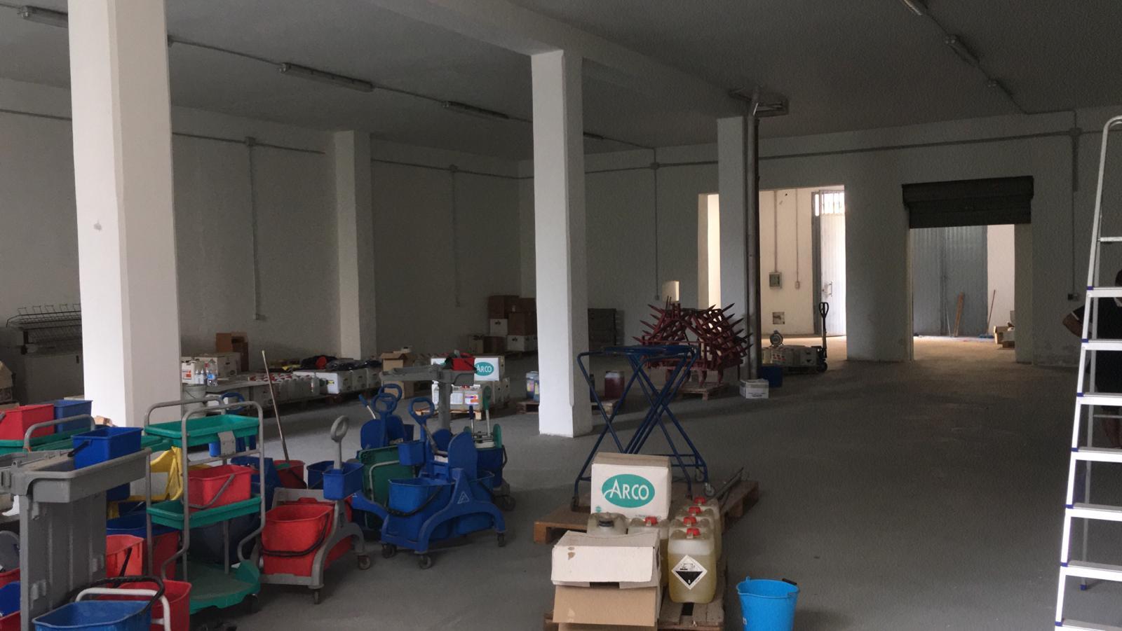 (Italiano) Francavilla Font. Locale DEPOSITO mq 400 zona centro